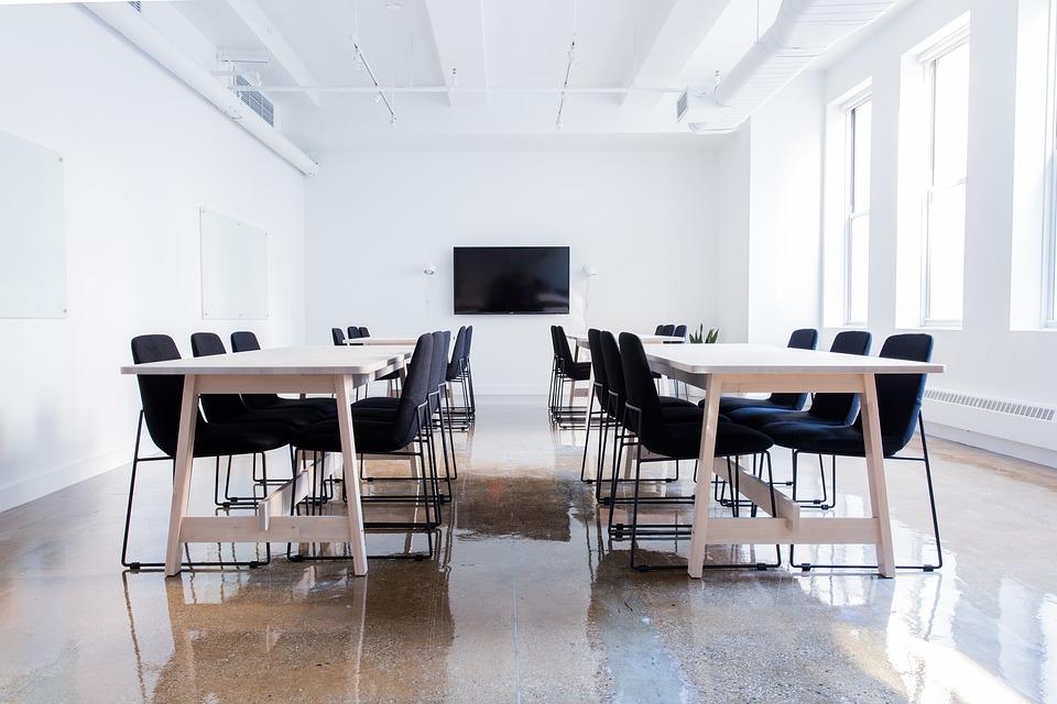 Créez l'aménagement idéal d'une salle de conférence